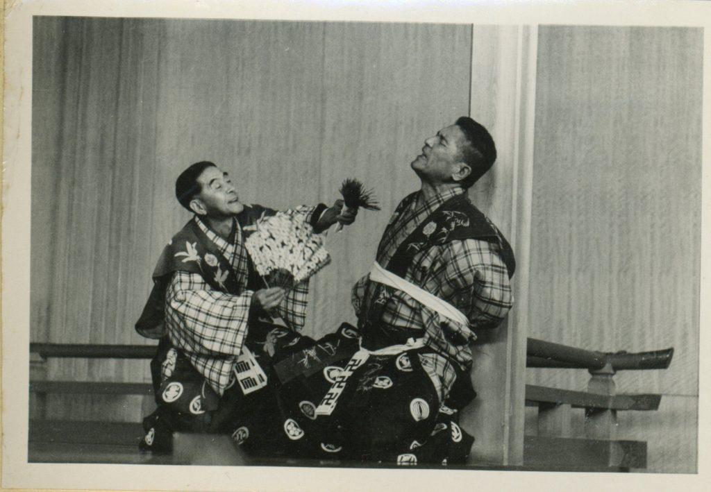 佐藤 卯三郎(左)   狂言「狐塚」 井上 禮之助(右)